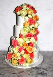 """Торт """"С живыми цветами """""""