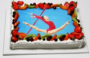"""Торт """"Фото гимнастки """""""
