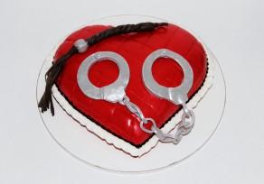 """Торт """"Сердце запретной любви"""""""